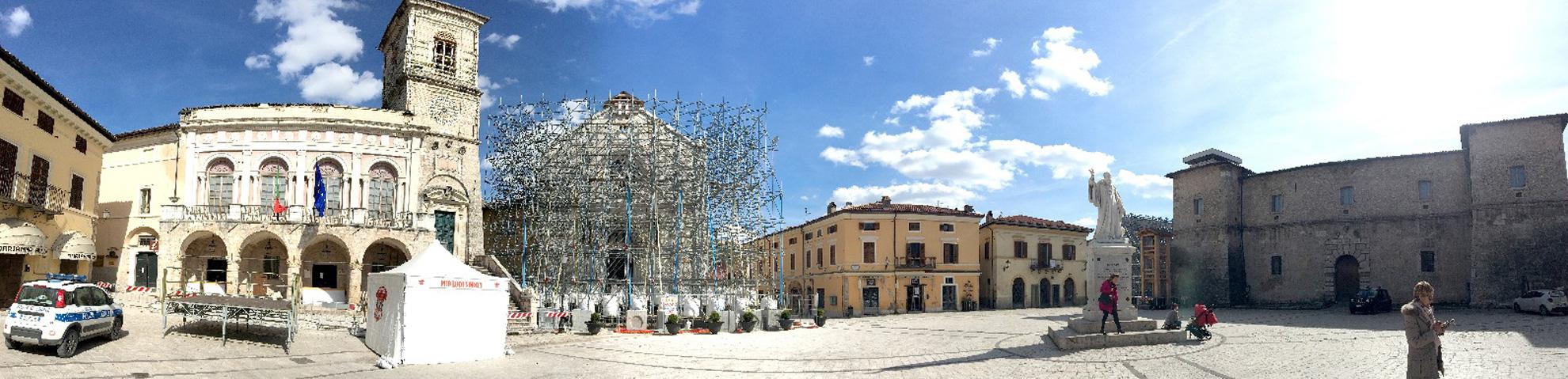 Norcia Piazza San Benedetto